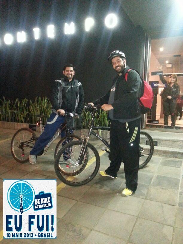 """""""Nós, da Bontempo Porto Alegre, utilizamos a bike como meio de transporte todos os dias. Eu e o Max vamos e voltamos de bike."""""""